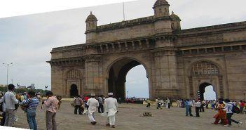 La Puerta de la India de Mumbai está muy cerca de la playa de Chowpatty