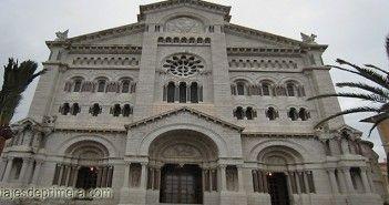 Fachada de la Catedral de San Nicolás, en el Principado de Mónaco