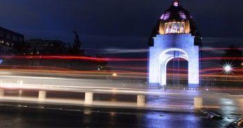 Escena nocturna de Mexico D.F.