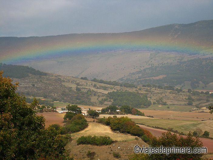 Arco iris sobre el Valle de Ollo, en Navarra