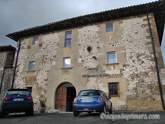 Fachada principal del hotel con encanto El Secreto de Ollo, en Navarra