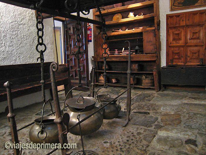 Casa la Vall tenía una cocina porque los representantes de las 7 parroquias de Andorra a veces tenían que convivir durante varios días durante las reuniones políticas.