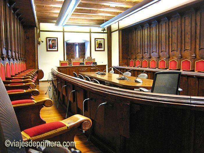 El Parlamento de Casa de la Vall estuvo en la sede histórica hasta 2011.