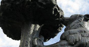 La escultura El oso y el madroño cumple 50 años ubicada en la Puerta del Sol de Madrid en 2017