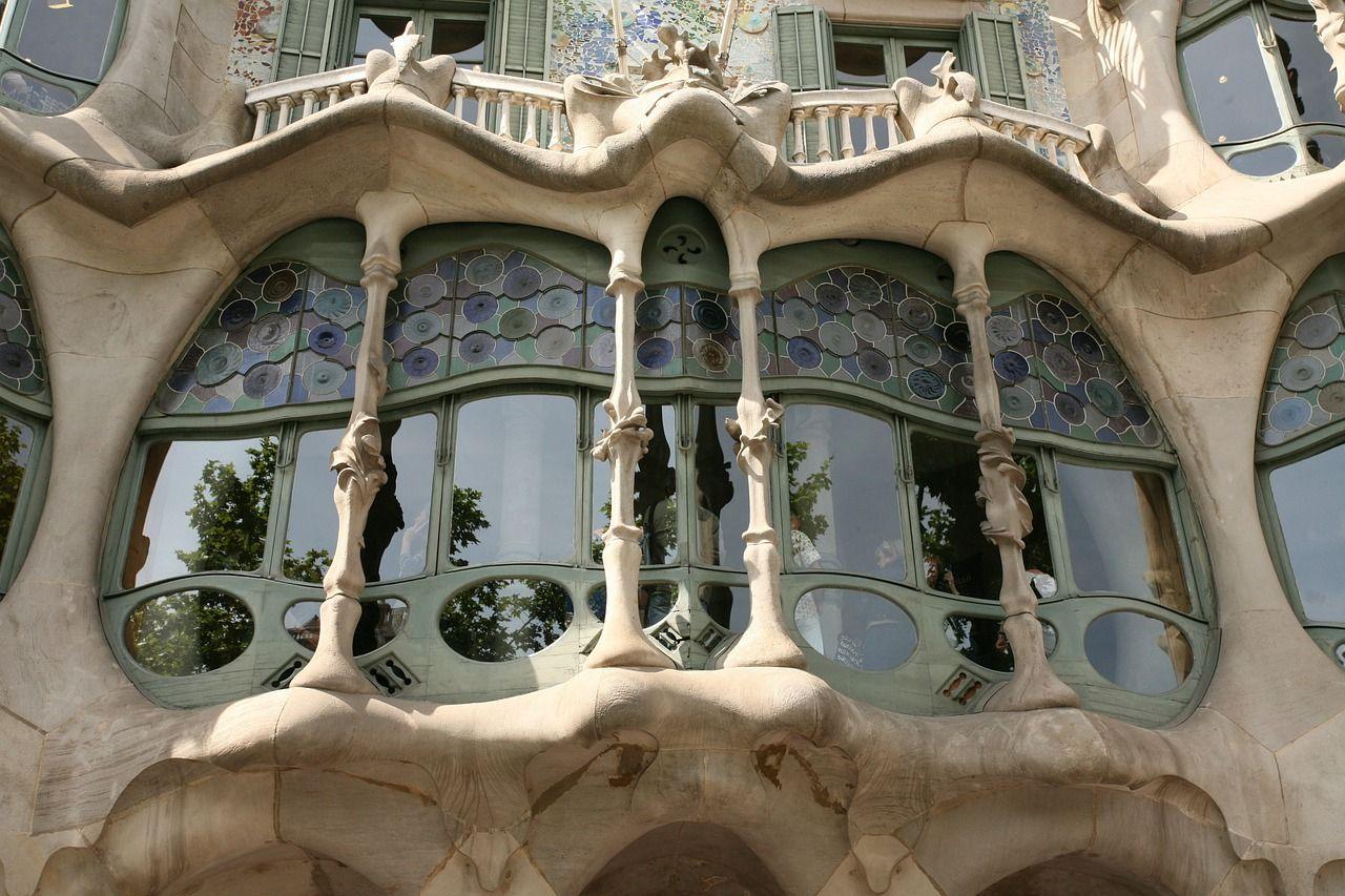 Qu ver entradas horarios y precios de la ruta gaud en barcelona viajes de primera - Luengo arquitectos valencia ...