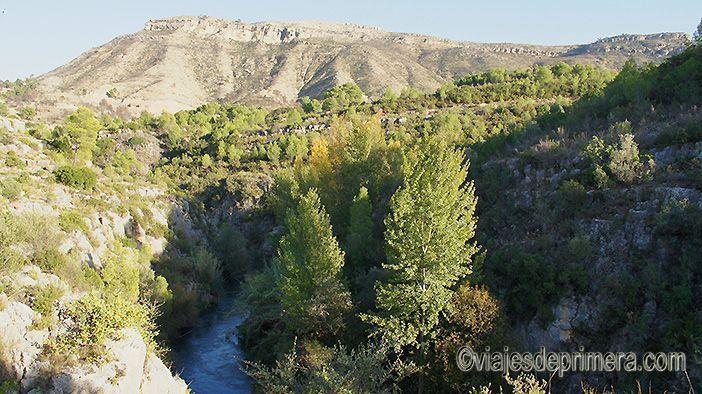 Los Cañones del Turia son un entorno de gran belleza natural y paisajística muy cerca de Chulilla.
