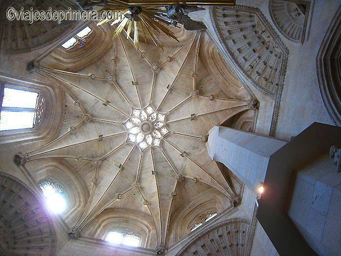 El cimborrio de la Catedral de Burgos fue reconstruido en estilo plateresco en el siglo XVI