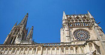 La catedral de Burgos es la primera catedral Gótica de la Península Ibérica
