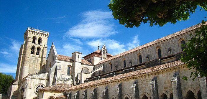 El Claustro de los caballeros del Monasterio de Las Huelgas conserva los sepulcros de varios muertos en la batalla de Las Navas de Tolosa