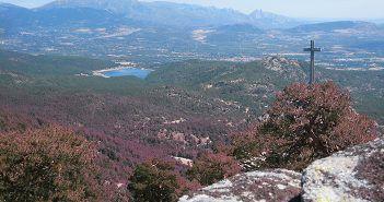 El Valle de los Caídos desde el GR7 que lleva a Cabeza de Líjar, en la Comunidad de Madrid