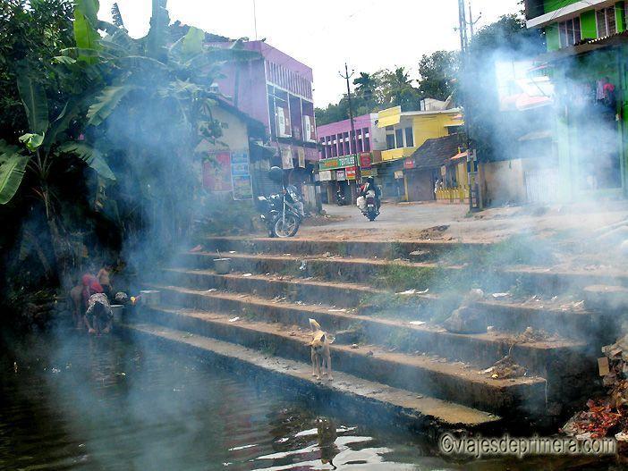 Los Backwaters de Kerala son 900 kilómetros de canales que unen distintas poblaciones del sur de la India