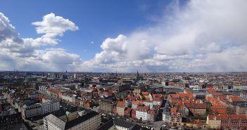 En Copenhague merece la pena dormir en un hotel céntrico para poder moverte a pie por el centro de la ciudad