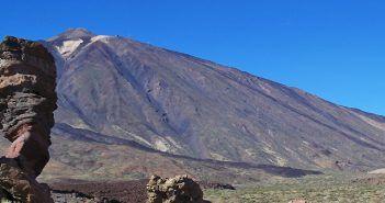 La altitud del Teide lo convierte en el punto más alto de España y el tercer volcán más alto del mundo