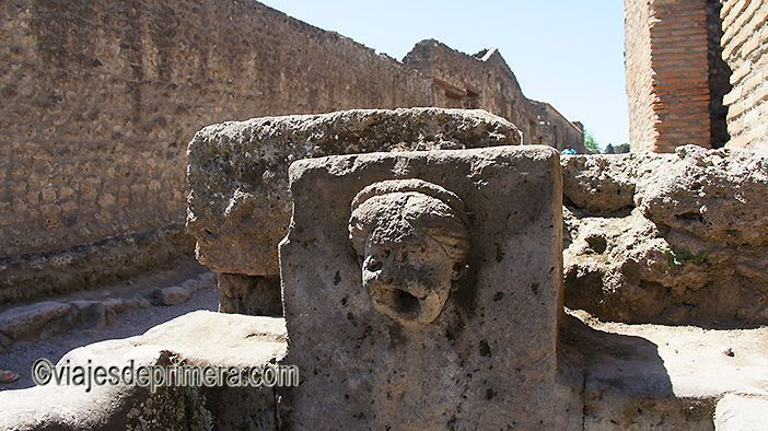 Las fuentes y las torres de agua son algunas de las principales curiosidades de Pompeya.