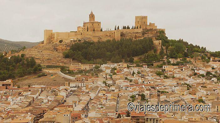 La Fortaleza de la Mota convierte a Alcalá la Real en uno de los pueblos medievales España más interesantes de Andalucía.