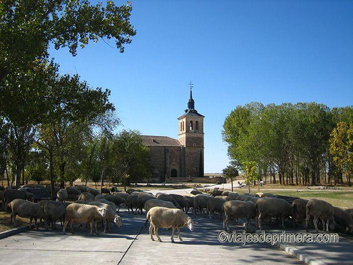 Paradinas tiene todo el encanto de uno de los pueblos más bonitos de Segovia