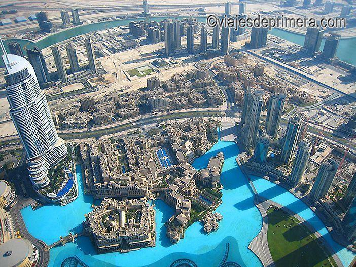 Así se ve Dubái desde el mirador The Top del rascacielos Burj Khalifa,la torre más alta del mundo