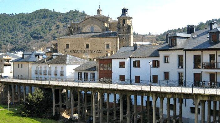 Villafranca del Bierzo es una parada imprescindible en el Camino de Santiago porque tiene la única Puerta del Perdón anterior a la de Santiago de Compostela