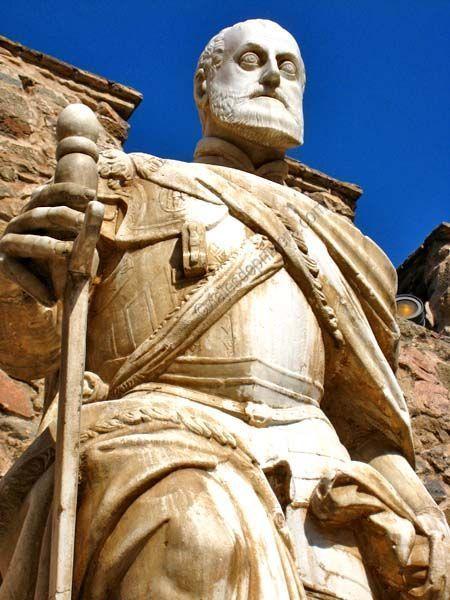 Puerta de Bisagra de Toledo construida en honor a Carlos I de España