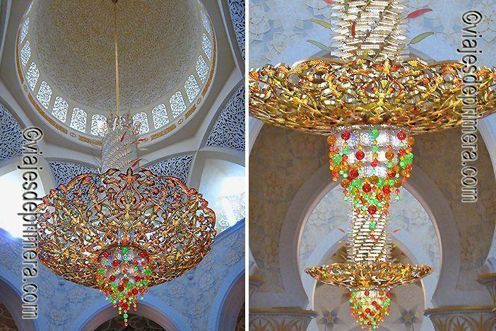 La lámpara central de la Gran Mezquita de Abu Dabi está hecha con cristales Swarosky