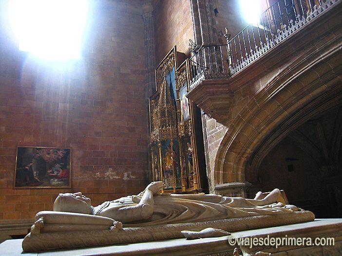 Sepulcro del infante Juan, en el Monasterio de Santo Tomás de Ávila, único hijo varón de los Reyes Católicos.