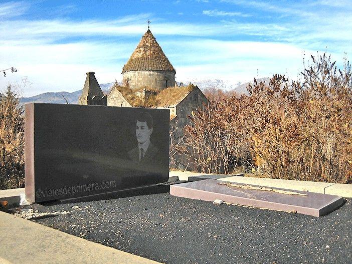 Cementerios curiosos del mundo, los de Armenia, por la originalidad de sus lápidas