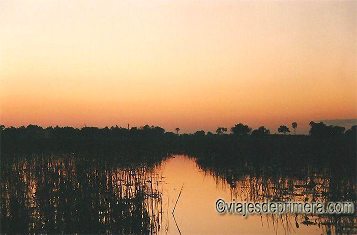 Atardecer en el Delta del Okavango en Botswana.