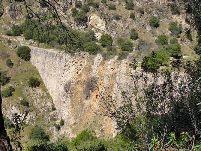 La Presa del Gasco en la Sierra de Guadarrama de Madrid está entre Las Rozas, Galapagar y Torrelodones.