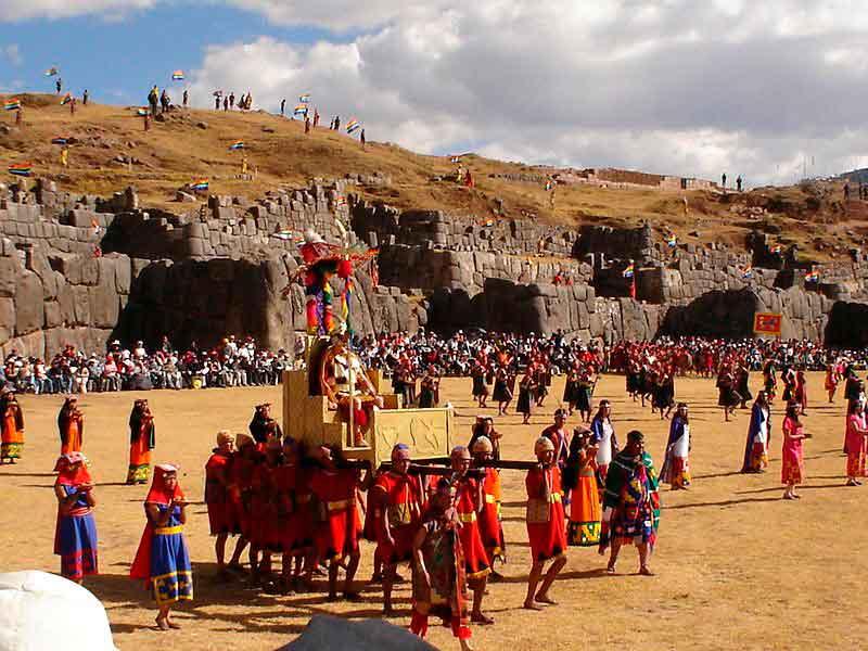 El Inti Raymi se celebra en la Fortaleza de Sacsayhuamán de Cuzco