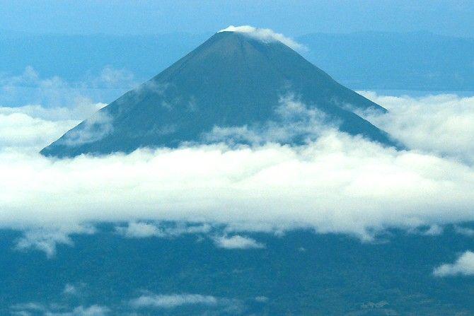 La isla de Ometepe es una visita habitual en el Lago Nicaragua, uno de los más grandes del mundo.