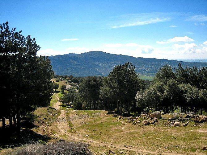 La ruta hasta el Cerro del Telégrafo de Moralzarzal se puede hacer a pie o en bicicleta.