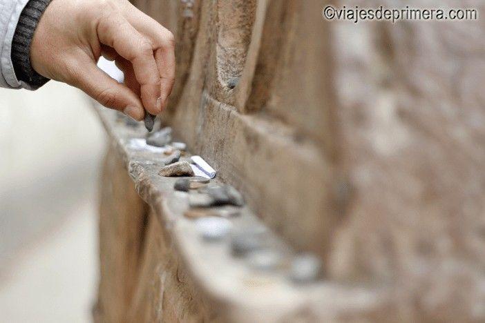 La lápida más antigua del Cementerio judío de Praga data de 1439