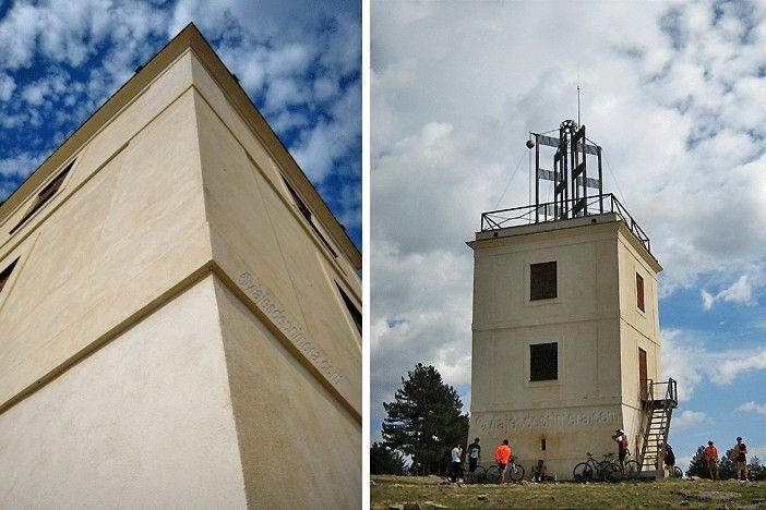El Cerro del Telégrafo de Moralzarzal conserva una de las torres del telégrafo óptico que tuvo la Línea de Castilla en el siglo XIX.