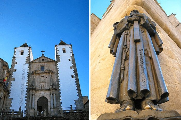 Iglesia de la Bella Sangre y escultura de San Pedro de Alcántara en el casco histórico de Cáceres, Patrimonio de la Humanidad.
