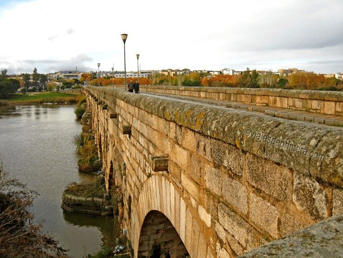 EXTREMADURA-VIA-PLATA-PUENTE-ROMANO-MERIDA-GUADIANA-ESPANA
