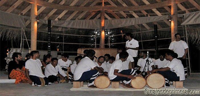 El Boduberu es el baile típico de Maldivas, con influencias de África, Asia y América