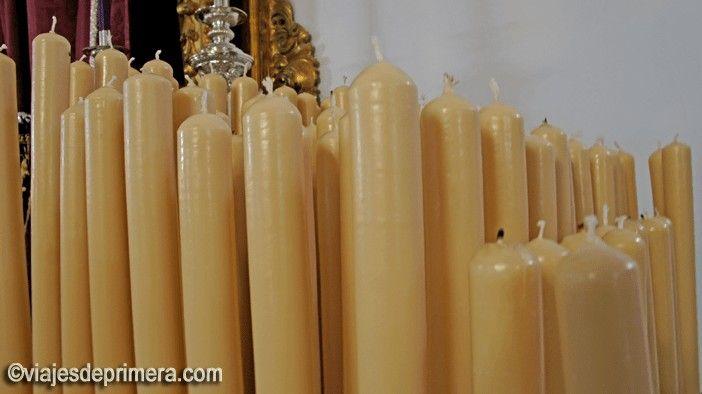 La cerería es una de las industrias más importantes y que más se benefician de las tradiciones de la Semana Santa de Andalucía