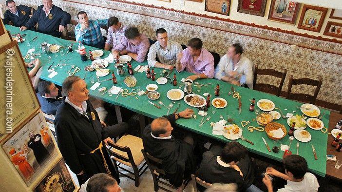 Almuerzo típico en un Cuartel de una de las Corporaciones Bíblicas de Puente Genil