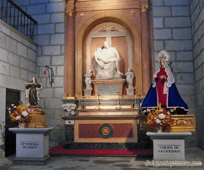 Capilla en la que Teresa de Cepeda pidió amparo a la Virgen de la Caridad cuando se quedó huérfana de madre.