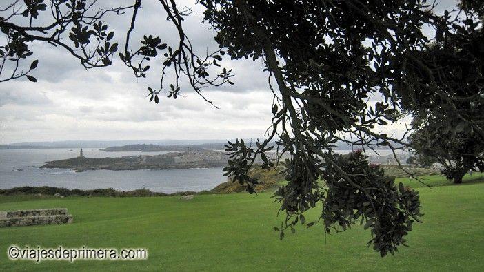 Uno de los sitios que visitar en A Coruña es el Parque de San Pedro