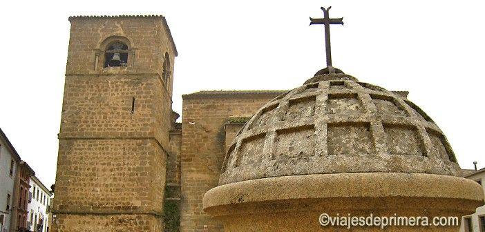 La Catedral Vieja de Plasencia es de transición del Románico al Gótico y fue construida entre los siglos XIII y XV