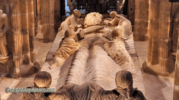 Cenotafio de Santo Domingo de la Calzada, hoy en el interior de la Catedral de El Salvador.