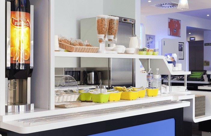 El desayuno buffet no está incluido en el precio del Ibis Budget Málaga Centro, un hotel barato y bien ubicado en Málaga