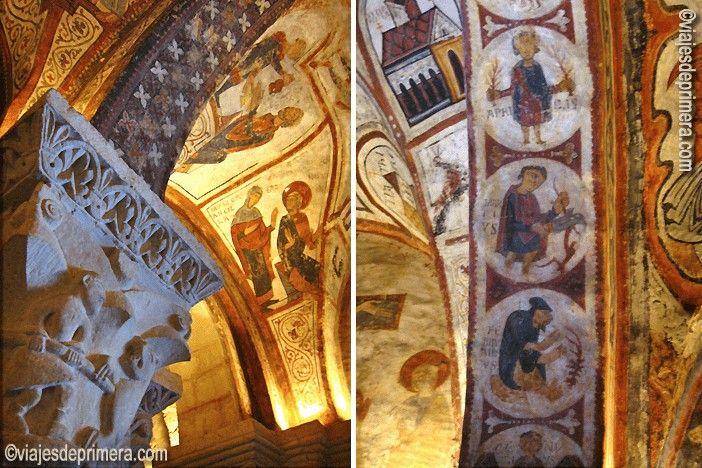 Interior del Panteón Real de la Colegiata de San Isidoro con el calendario agrícola y un detalle de los capitales.