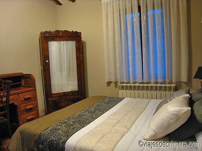 Una de las habitaciones de la Hospedería La Calera, en San Millán de la Cogolla, La Rioja