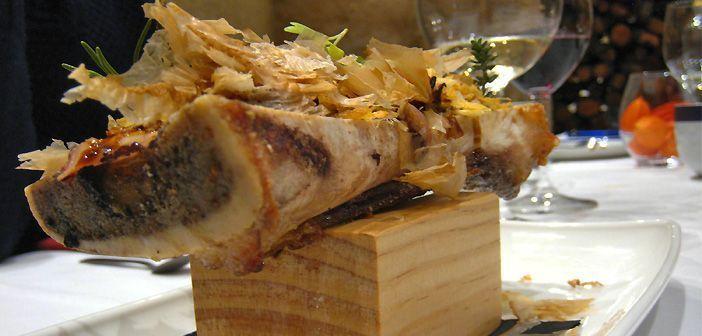 Tuétano con pulpo y katsuobushi con salsa teriyaki en el restaurante OroViejo de Salamanca