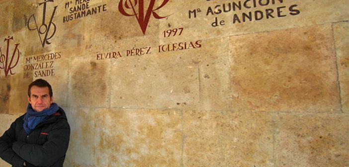 Javier Castro frente a los Vítores del Colegio Anaya en Salamanca