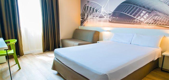 Una de las habitaciones del hotel B&B en Valencia, España