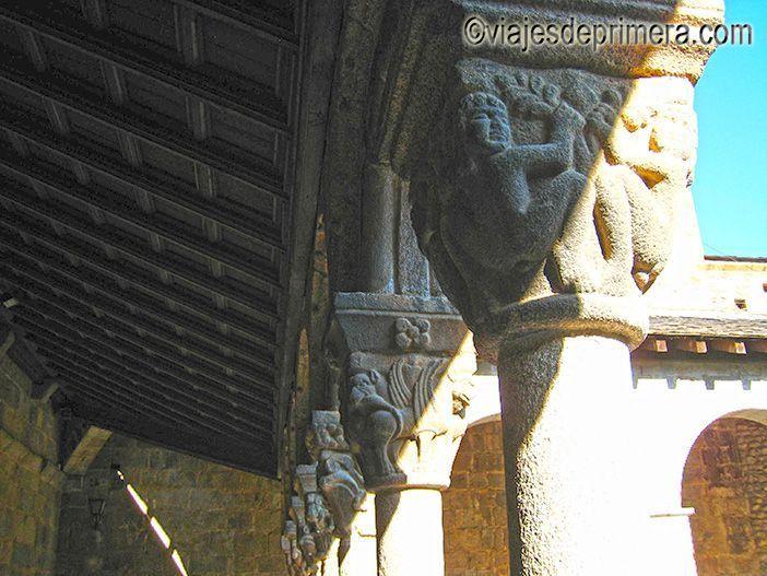 El claustro de la Catedral de La Seo de Urgel, la única románica de Cataluña.
