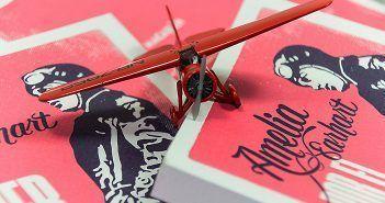 Amelia Earhart escribe sobre aviación y mujeres en Por el placer de hacerlo, un título de la editorial del motor Macadán Libros